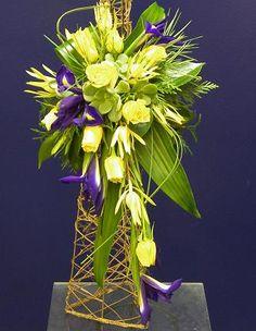 Google Image Result for http://australianfloristry.com/Floristry_Iris1.jpg