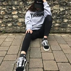 anyone seen my skateboard?o wait Skateboard 🛹 Teenage Outfits, Edgy Outfits, Fashion Outfits, Girl Fashion, Style Fashion, Skater Girl Outfits, Skater Girls, Thrasher Outfit, Tumbrl Girls