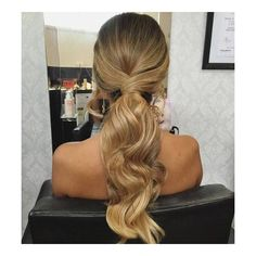 35 Super-Simple Messy Ponytail Hairstyles ❤ liked on Polyvore featuring hair, hairstyles, hair styles and ponytail