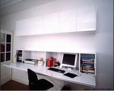 Una mesa para ordenador en el mismo salón. | Decorar tu casa es facilisimo.com