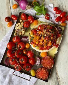 klingskitchen.se - Ugnsbakad brie med tomater Brie, Vegetables, Food, Veggies, Vegetable Recipes, Meals, Yemek, Eten