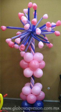 Pilaar modelleer met hartjes / balloon column