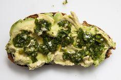 5 (New!) ways to top avocado toast