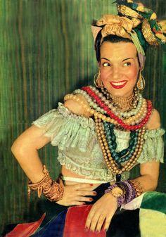Carmen Miranda -Broadway singer, dancer, actress and film star from Carmen Miranda Kostüm, Carmen Dell'orefice, Chiquita Banana Costume, Diy Costumes, Halloween Costumes, Halloween Makeup, Halloween Ideas, Fancy Dress, Dress Up