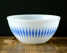 RESERVED  Agee/Crown Pyrex mixing bowl by ThatRetroPiece on Etsy, $25.00