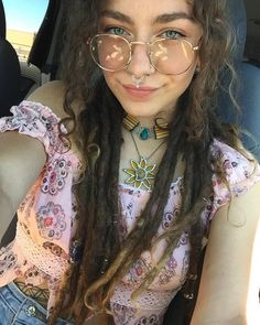 Grunge Hippie, Hippie Vibes, Hippie Love, Hippie Gypsy, Hippie Style, White Girl Dreads, Dreads Girl, Hippie Music, Beautiful Dreadlocks