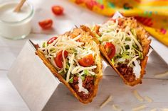 nl - Looking for a low-carb alternative to a taco shell or tortilla? Look no further and try these delic - Wrap Recipes, Low Carb Recipes, Healthy Recipes, Chorizo, Cheese Shell Taco, Cheese Tacos, Gluten Free Donuts, Cute Snacks, Garlic Butter Chicken