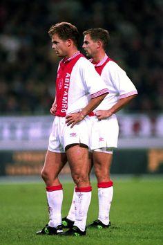 """Twinning is winning. Afc Ajax, Soccer Cards, Retro Football, Twin Brothers, Fc Barcelona, Football Players, Messi, Superstar, Amsterdam"