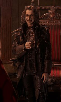 has anyone else noticed how stylish Rumplestiltskin/Gold is?!?! = super sexy