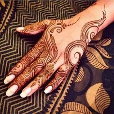Explore latest Mehndi Designs images in 2019 on Happy Shappy. Mehendi design is also known as the heena design or henna patterns worldwide. We are here with the best mehndi designs images from worldwide. Henna Hand Designs, Eid Mehndi Designs, Mehndi Designs Finger, Beautiful Henna Designs, Mehndi Designs For Fingers, Mehndi Patterns, Latest Mehndi Designs, Henna Tattoo Designs, Eid Special Mehndi Design