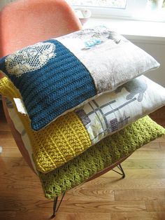 DIY up-cycle cushions using old knits, doilies and calico Crochet Cushions, Crochet Pillow, Crochet Fabric, Wool Fabric, Crochet Doilies, Pin Cushions, Fabric Crafts, Sewing Crafts, Sewing Projects
