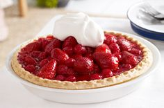 This no-bake pie features farm-fresh berries in all their glory. Made with juicy strawberries and raspberries, our Glazed Red Berry Pie is simply delicious and deliciously simple! Kraft Foods, Kraft Recipes, Pie Recipes, Cheesecake Recipes, Brunch Recipes, Cooker Recipes, Strawberry Cream Cheese Pie, Easy Strawberry Pie, Strawberry Dessert Recipes