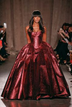 "Saw this dress yesterday for NYFW and Naomi just killed it! This dress is amazing! ""Zac Posen F/W 2015-16 RTW """