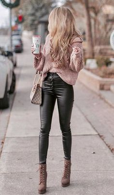 Outfits and flat lays we fell in love with. See more ideas about Casual outfits, Cute outfits and Fashion outfits. Fashion Trends, Latest Fashion Ideas and Style Tips. Cute Winter Outfits, Winter Fashion Outfits, Cute Casual Outfits, Look Fashion, Stylish Outfits, Trendy Fashion, Autumn Fashion, Womens Fashion, Casual Winter