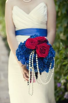 red white and blue wedding bouquet with pearls | photo by www.focusphotoinc.com