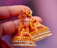 Where To Sell Gold Jewelry For Best Price Refferal: 1009316862 Gold Jhumka Earrings, Jewelry Design Earrings, Gold Earrings Designs, Antique Earrings, Indian Earrings, Necklace Designs, Fashion Earrings, Gold Bangles Design, Gold Jewellery Design