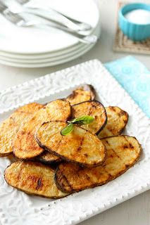 Grilled potatoes with paprika.