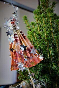 GELDGESCHENK KREATIV VERPACKT - GANZ EINFACH! Eine tolle Idee um für Weihnachten Geld zu verschenk ist diese selbst gebastelte Tannenbaum. Auch Last Minute tauglich, sehr einfach und schnell.