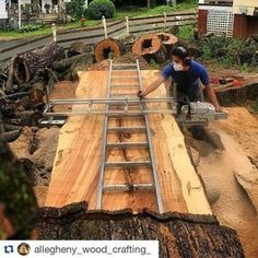 Congrats we're halfway done. I bet @allegheny_wood_crafting_ felt about the same way when he was halfway through slabbing this log. Awesome stuff. Finish strong! #humpday #bigwood #fixthisbuildthat de fixthisbuildthat