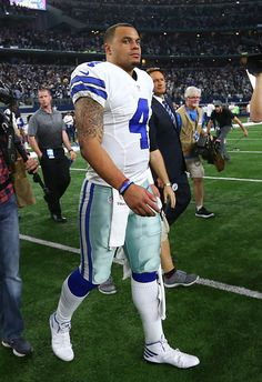 Dak Prescott Photos Photos - Dak Prescott of the Dallas Cowboys reacts after losing to the Green Bay Packers in the NFC Divisional Playoff game at AT&T Stadium on January 2017 in Arlington, Texas. - Divisional Round - Green Bay Packers v Dallas Cowboys Dallas Cowboys Quotes, Dallas Cowboys Players, Dallas Cowboys Decor, Texas Cowboys, Dallas Cowboys Wallpaper, Cowboy Photography, How Bout Them Cowboys, Dak Prescott, Football Conference