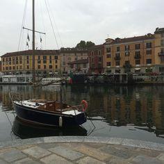 Darsena! Pomeriggio sui Navigli #darsena #navigli #landscape #picture #milano #mycity #milanodavedere #riflessi #chiocciola #water #bestphoto #webstagram #instmoments #instagallery #instagramers #instalike #instalove #bestoftheday #photooftheday #mypic #dailyphoto #nofilter #instabest #bestpic #boat #comefossemare by fra21288