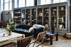 Roman and Williams Open a SoHo Flagship (Florist and French Café Included) French Country Rug, French Cafe, French Country Decorating, Casa Hotel, Roman And Williams, Gravity Home, Parisian Cafe, Restaurant New York, Restaurant Interiors