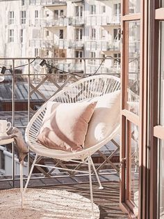 Outdoor Garden Furniture, Garden Chairs, Table Furniture, Luxury Furniture, Unique Home Decor, Diy Home Decor, Bedroom Seating, Aesthetic Room Decor, Home Living