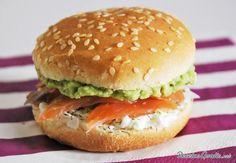 Sándwich de salmón y aguacate