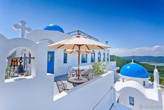 Did you think this is in Santorini, Greece? Well, it's in Kochi, JAPAN!! - Hotel Villa Santorini