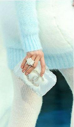 Chanel clutch - stunning.