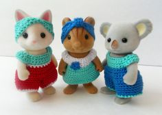 This crochet pattern collection will allow you to make clothes for your Momma Calico Critters. Included is a pattern for a jumper, a dress, a