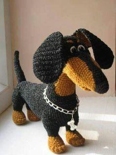 Cutest Crochet Doxie Ever! ~ (I can't locate it on the link)Handarbeit - Amigurumi / Mochimochi u. Cute Crochet, Crochet Crafts, Crochet Dolls, Yarn Crafts, Crochet Projects, Knit Crochet, Dog Crafts, Amigurumi Patterns, Knitting Patterns