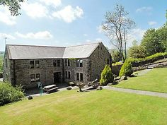 Frosterly Cottage sleeps 14