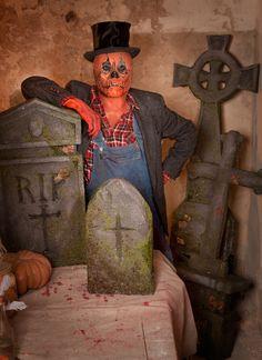Halloween Dekoration zum Selberbasteln: Grabsteine