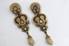 Soutache Pendant and Earrings / beige, old gold /