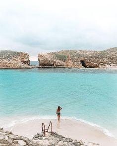 Blue Lagoon, Comino, Malta Places To Travel, Places To See, Travel Destinations, Places Around The World, Travel Around The World, Bósnia E Herzegovina, Malta Beaches, Malta Island, Voyage Europe
