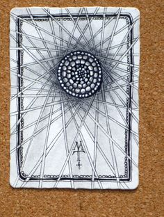 Oh how I love this ATC tile by Maria Thomas on the Zentangle blog!
