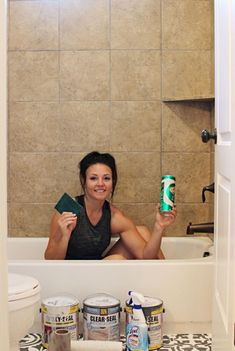 step by step tutorial - How to paint shower tile I painted my shower tile guys! That's right, I painted my floor tiles to look like cement tiles, and now I'm sharing How to paint shower tile. Painting Bathroom Tiles, Painting Tile Floors, Painting Ceramic Tiles, Painting Shower, Bath Tiles, Cement Tiles, Painting Over Tiles, Shower Tile Paint, How To Paint Tiles