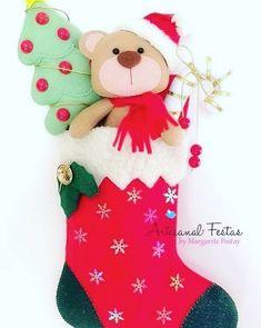 7 Botas Natalinas em Feltro - Molde para artesanato Felt Stocking, Fabric Scraps, Christmas Stockings, Holiday Decor, Crafts, Home Decor, Felt Decorations, Christmas Things, Party