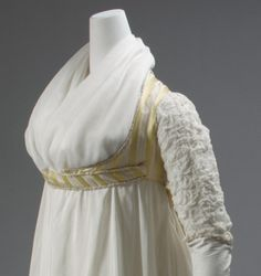 1809 open robe or bodice with tail?