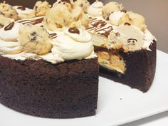 ULTIMATE COOKIE DOUGH DEEP DISH BROWNIE. Ready. Set. Indulge. Creamy Cookie Dough, Packed Full of Belgian Chocolate Chips Fills This Deep Dish Belgian Chocolate Fudge Brownie. Topped With Belgian Chocolate Ganache and Rich Cookie Dough Buttercream. A Cookie Dough Lover's Dream. Arrives In Deluxe Gift Packaging For Every Occasion.