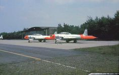 The Whiskey Four aerobatic display team was formed in 1956 at the RNLAF's Woensdrecht Air Base Military Jets, Military Aircraft, Royal Dutch, Gloster Meteor, First Plane, Training School, Military Pictures, Whiskey, Air Force