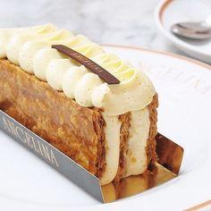 Avec son feuilleté au caramel et sa crème onctueuse vanille, le Millefeuille #AngelinaParis est un incontournable à l'heure du goûter!  Cc: @thatgreedypig