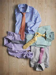 Xadrez e gravatas coloridas