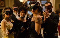 Alicia, Teresa, Sofía y Diego celebrando el baile de máscaras del Gran Hotel Grande Hotel, Song Artists, Miguel Angel, I Fall In Love, Costume Design, Masquerade, Tv Series, Actors, Photography