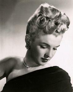 Marilyn Monroe c.1947 (Source: maudelynn.tumblr.com)