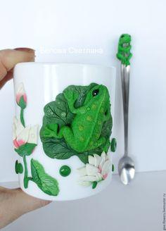 Купить Кружка Лягушка с декором из полимерной глины - зеленый, кружка, лягушка, кружка с лягушкой
