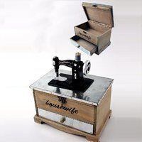 Caja - Costurero vintage de diseño rústico con máquina de coser en miniatura. Muchos más costureros originales en www.vasderetro.com/ordenar/costureros-joyeros