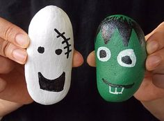 Halloween painted pebbles