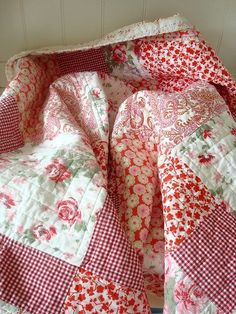 I love this mixed pattern red quilt
